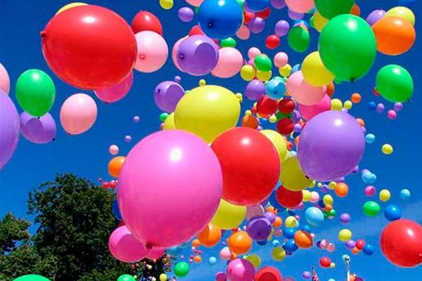 Вітання колезі дівчині в прозі, своїми словами з днем народження