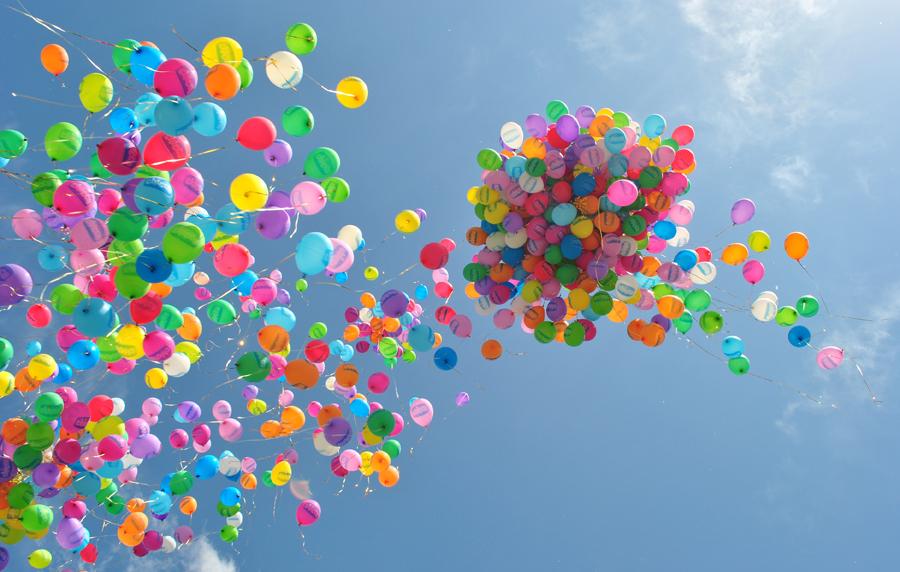 Привітання з днем народження вихователю дитячого саду від батьків своїми словами, в прозі, українською мовою